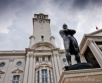 Sir Stamford Raffles Statue and Victoria Theater