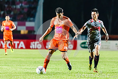 SISAKET THAILAND-JUNE 29: Victor Amaro of Sisaket FC. (orange) Editorial Photo