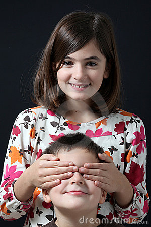 Free Sister Closed To The Brother Of Eye With Own Hands Royalty Free Stock Images - 12540619