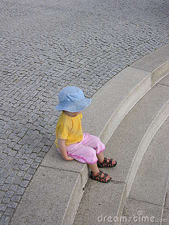 Free Sitting Child Stock Photography - 92392