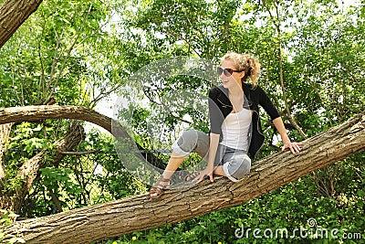 Sitzen Sie auf einem Zweig