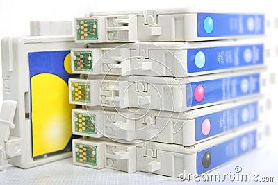 Six color inkjet printer cartridge
