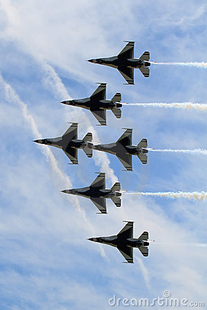 Free Six Thunderbird Jets In Formation Royalty Free Stock Photos - 15465748