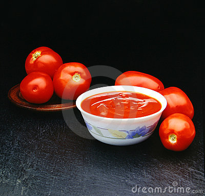 Free Six Tomatoes Tomatoes For A Souce Royalty Free Stock Photo - 728375