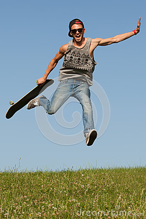 Free Skateboarder Leaping In The Air Stock Photos - 32472303