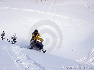 Ski-Doo dans la neige