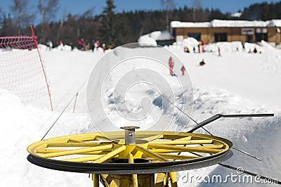 Ski lift and skiers