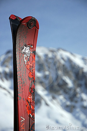 Free Ski Tips Royalty Free Stock Images - 5849839