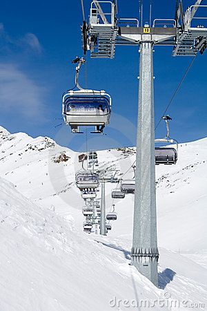 Skiing chair lift