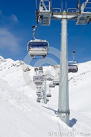 Skiing chair lift