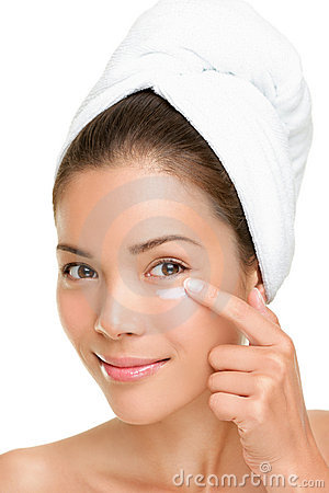 Free Skin Care Woman Putting Face Cream Royalty Free Stock Photography - 20511627