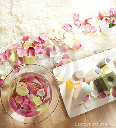 Free Skincare Products At Spa Stock Image - 8141681
