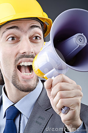 Skrika för högtalareman