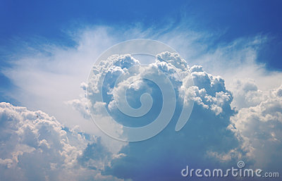 The sky with the huge cumulus