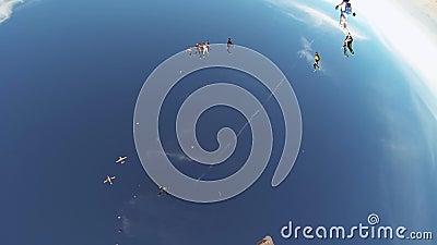 Skydivers springen vom Flugzeug über Arizona adrenaline Machen Sie Bildung im Himmel stock video footage