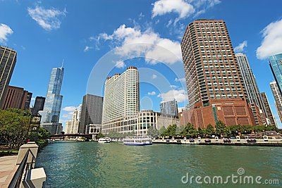 Skyline of Chicago, Illinois along the Chicago River