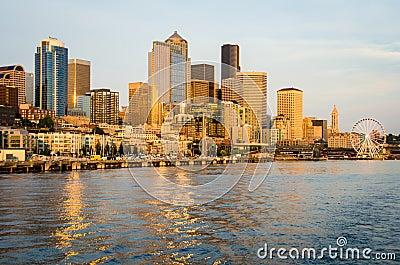 Skyline da cidade de Seattle Imagem Editorial