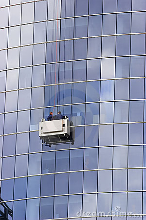 Free Skyscraper Windows Washers Royalty Free Stock Image - 2453216