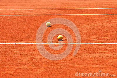 Slag tennis court and balls