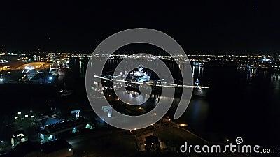 Slagschip New Jersey van de nacht het Luchtmening stock videobeelden