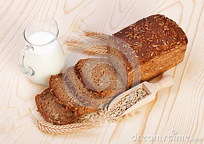 Sliced brown bread with seeds