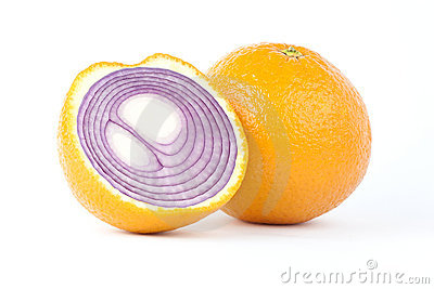 Sliced orange with red onion inside