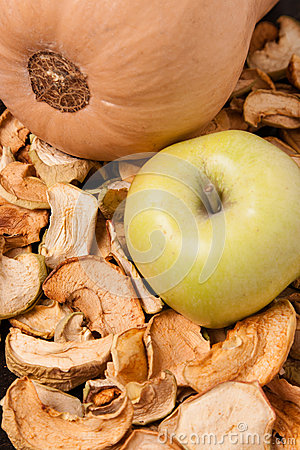Free Slices Of Dried Apples With Apple And Pumpkin Royalty Free Stock Photos - 28847838