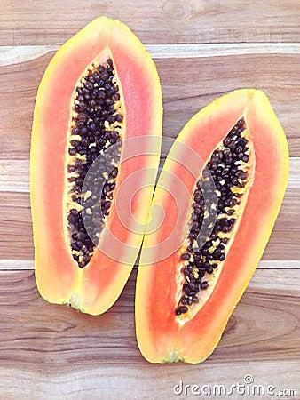 Free Slices Of Sweet Papaya On Wooden . Royalty Free Stock Image - 101087106