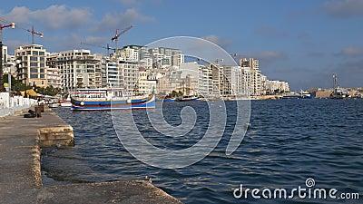 Sliema Skyline et le port de Malte banque de vidéos