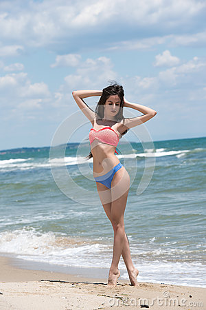 Free Slim Girl Wear Bikini, Beach With Wild Waves Stock Photo - 77683170