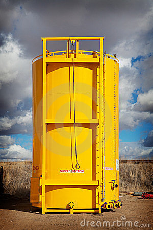 Sloped Bottom Oil Storage Tank