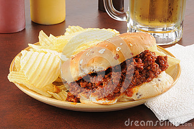 Sloppy Joe and potato chips