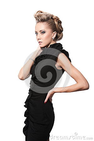 Sluit omhoog van blonde vrouw met manierkapsel