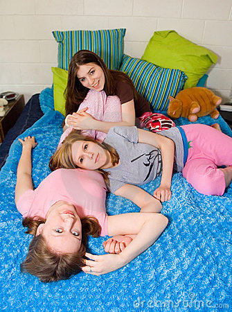 Free Slumber Party Girls Stock Image - 2297091