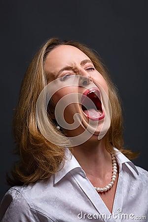 Smärta att skrika