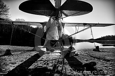 Small Airplane B&W 1