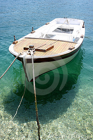 Free Small Fishing Boat Royalty Free Stock Photos - 19333048