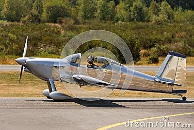 Small private experimental plane