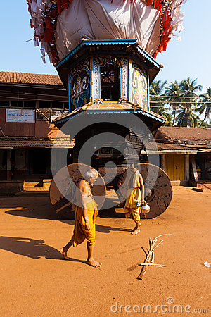 Small Ratha Chariot Brahmin Walking Royalty Free Stock Photos - Image: 27212138
