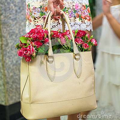 Small red charming flowers in fashion women s bag