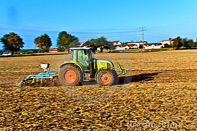 Small scale farming with tractor