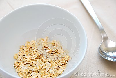 Small serving of healthy oatmeal