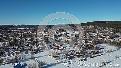 Smedjebacken στη Σουηδία στο μήκος σε πόδηα χειμερινών κηφήνων απόθεμα βίντεο
