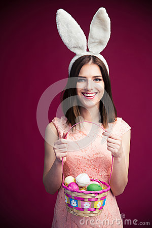 Free Smiling Beautiful Woman With An Easter Egg Basket Royalty Free Stock Photos - 52296448