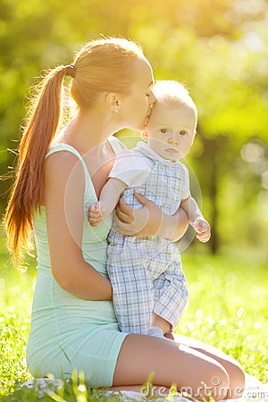 Free Smiling Emotional Kid With Mum On A Walk. Smile Of A Child Royalty Free Stock Photo - 39619045