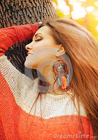 Free Smiling Happy Girl Profile Beauty Portrait, Fashion Boho Chic Style Dreamcatcher Earrings, Autumn Outdoor Stock Photos - 81791493