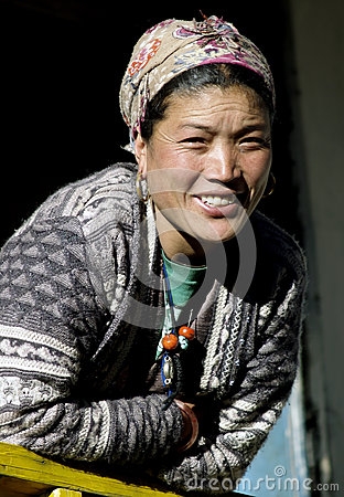Free Smiling Sherpa Woman Royalty Free Stock Photos - 80971918