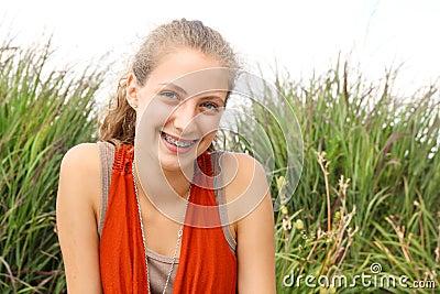 Smilng nastolatek