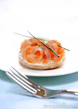 Smoke salmon with cream cheese