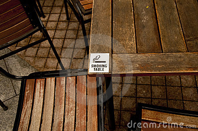 Smoking Table Sign